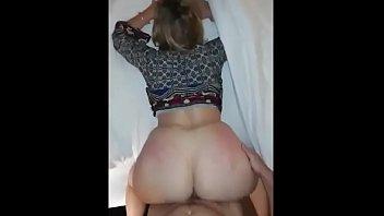 Клиент пердолит двух проституток в вагины