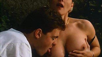 Кокетка поставила анальный секс перед подкаченным перцем для анальной имели