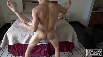 Дискотека закончилась минетиком и повальным порно с участием всех жнлающих
